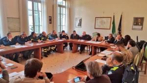 Protezione civile al lavoro per ripristinare l'argine dell'Enza; 1.157 le persone assistite e accolte