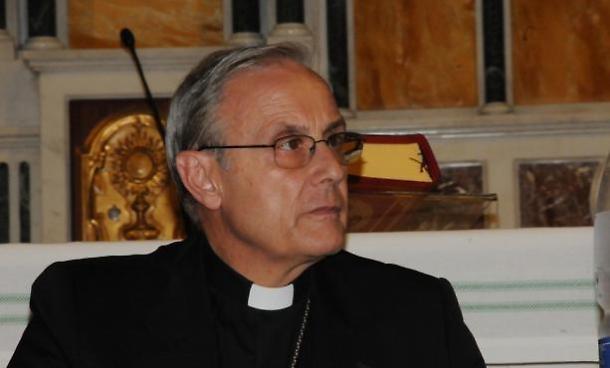 Truffa aggravata e appropriazione indebita: archiviata indagine su vescovo mogavero