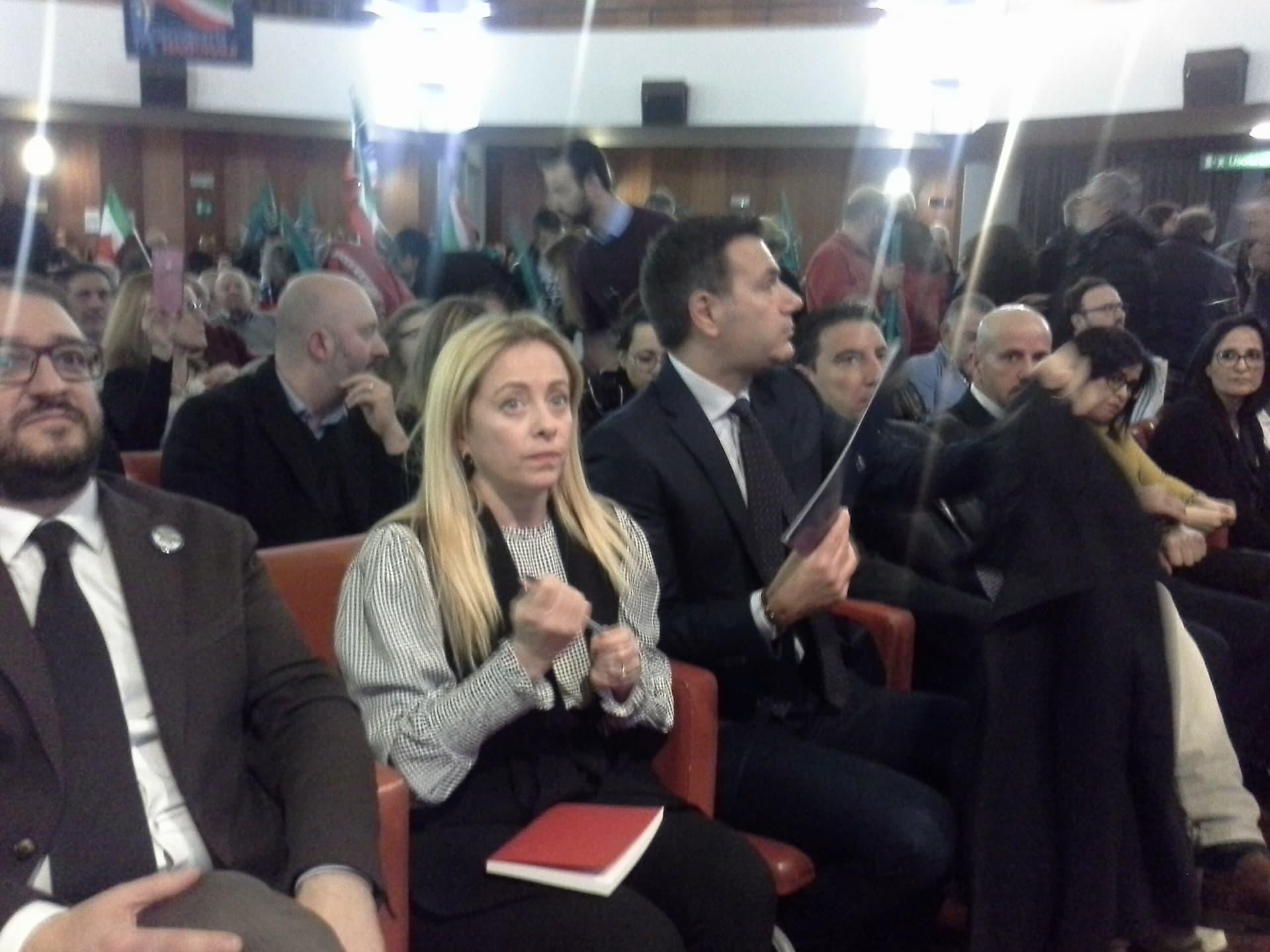 """Giorgia Meloni (FDI) a Pescara: """" Vogliamo un governo di Patrioti. Noi abbiamo una civiltà diversa da altre Nazioni. Basta stare in ginocchio in Europa"""""""