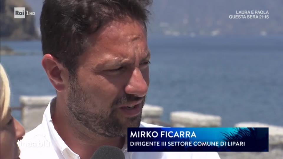 Lipari, nuovo look per la segnaletica stradale affidata alla ditta di Nino Fonti. L'intervento