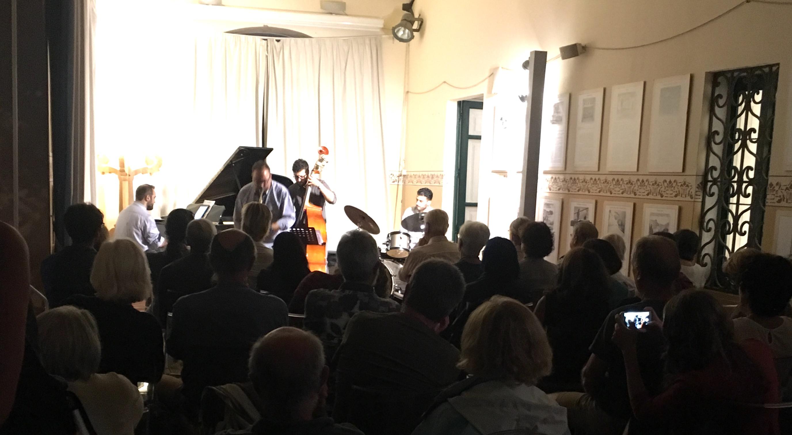 """Salina, prosegue """"Jazz Festival"""" e gran finale domani con la cantante Joy Garrison ed il suo quartetto"""