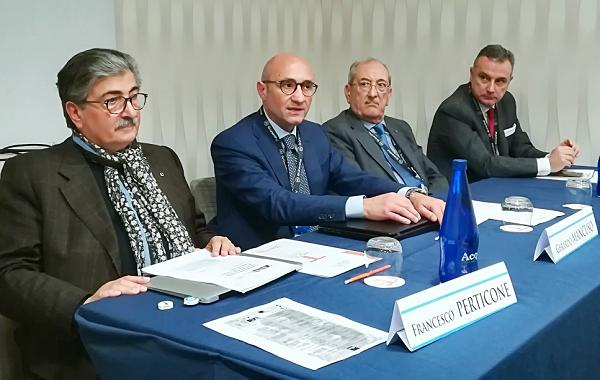 Medicina interna, convegno a Lamezia: chiesto incontro con Cotticelli ed Oliverio