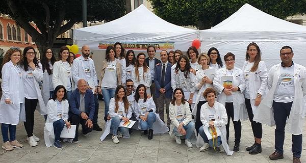 Giornata dei biologi nutrizionisti, prima tappa a Reggio: è boom di consulenze gratuite