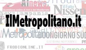 Genova, si ribalta autocisterna con acido solforoso