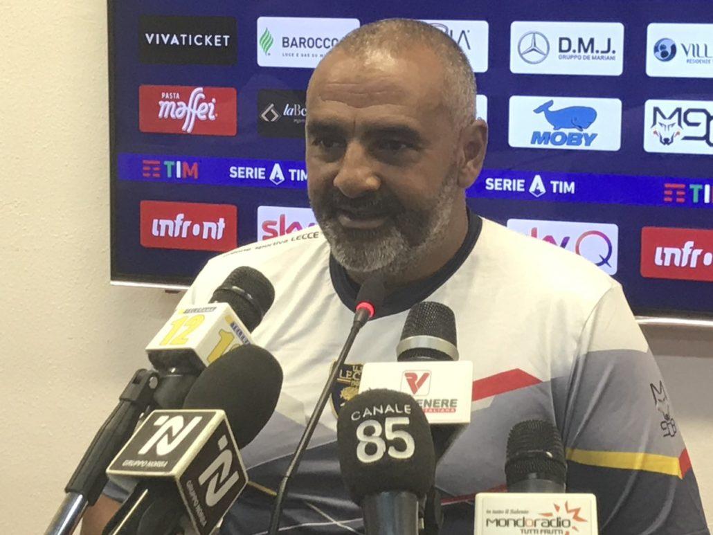"""Verso Milan-Lecce, Liverani: """"Toccherà a noi far soffrire il Milan, non andremo lì per rintanarci"""""""