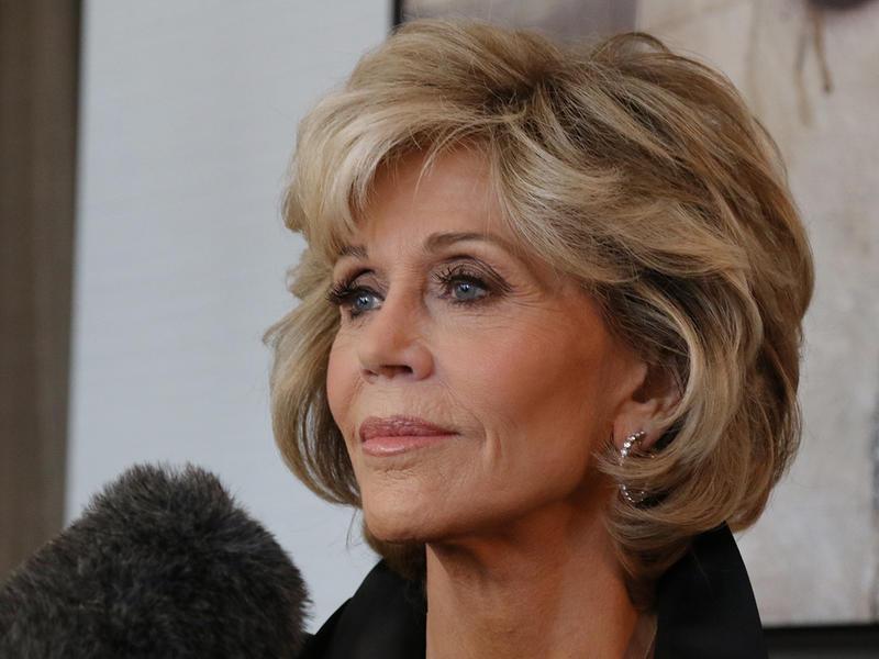 """Jane Fonda dice addio alla chirurgia plastica: """"Era una droga, non mi farò tagliare mai più"""""""