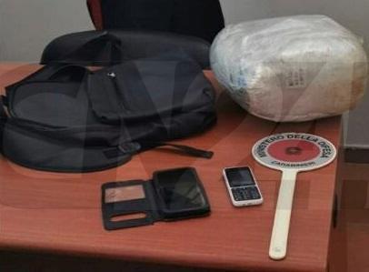 """""""Beccato"""" sul treno per Firenze con 3 chili di marijuana nello zaino. Arrestato"""